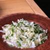 Салат с пекинской капустой, огурцом и соусом Галушка