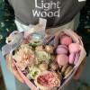 Цветы в коробочке с макаронс (№70) Light Wood