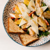 Салат с курицей и апельсином  PUSHKA LOUNGE BAR