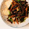 Тёплый салат с телятиной    PUSHKA LOUNGE BAR