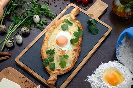 Пидэ с яйцом и сыром - SAFFRON